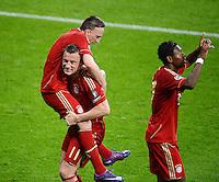 FUSSBALL   CHAMPIONS LEAGUE  VIERTELFINAL RUECKSPIEL   2011/2012      FC Bayern Muenchen - Olympic Marseille          03.04.2012 JUBEL FC Bayern Muenchen; Torschuetze zum 2-0 Ivica Olic (Mitte) umarmt Franck Ribery (li) und David Alaba (re)