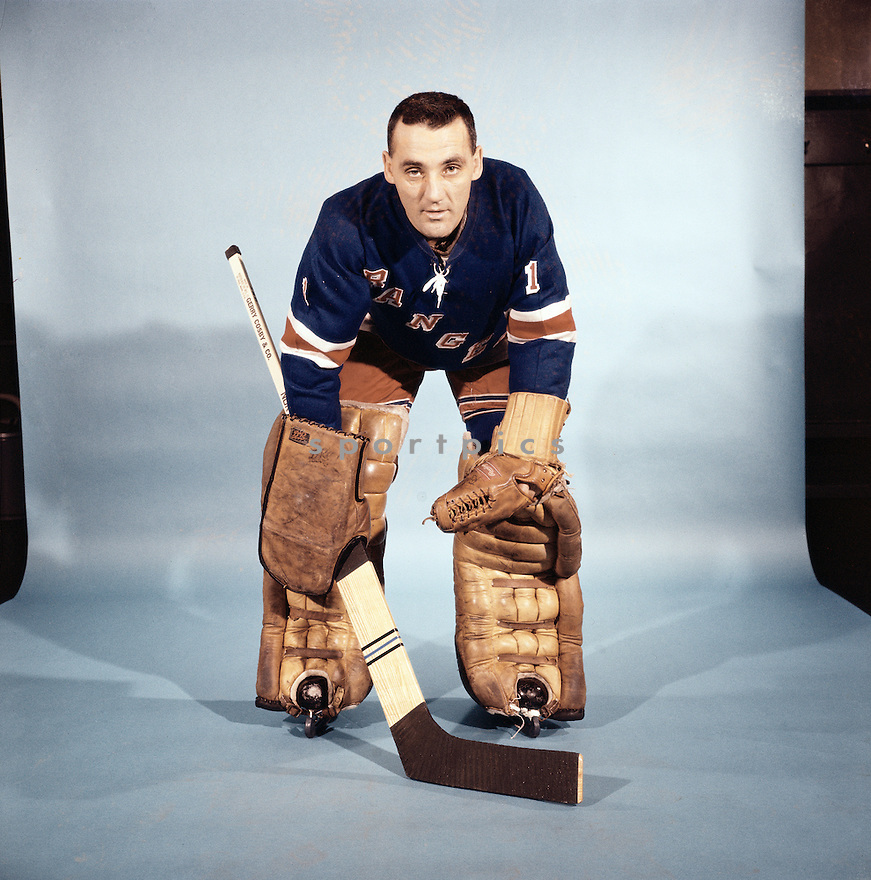 PORTRAIT OF JACQUE PLANTE, of the New York Rangers, believed to be ...: sportpics.photoshelter.com/image/I0000W2U3BvH.OQA