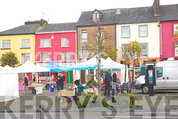 Christmas shopping in Listowel