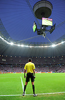 FUSSBALL  EUROPAMEISTERSCHAFT 2012   VORRUNDE Polen - Russland             12.06.2012 Deniz Aytekin in seiner Funktion als Torrichter in Stadion von Warschau