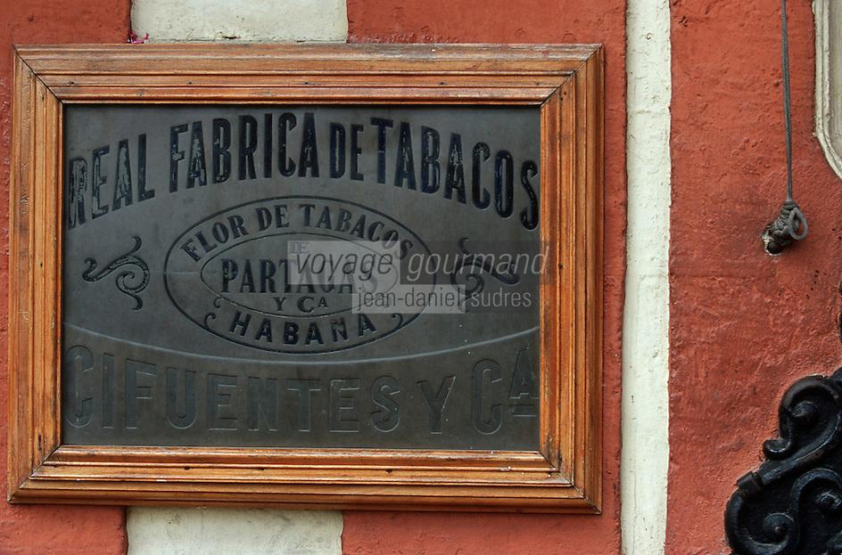 Cuba/La Havane: Détail de la plaque de Société Fabrique de Cigares Fabrica Partagas, Casa del Habano, Calle Industria N°520 - Habana Vieja