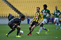 Jeremy Brockie in action during the A League - Wellington Phoenix v Newcastle Jets Game at Westpac Stadium, Wellington, New Zealand on Sunday 26 October 2014. <br /> Photo by Masanori Udagawa. <br /> www.photowellington.photoshelter.com.