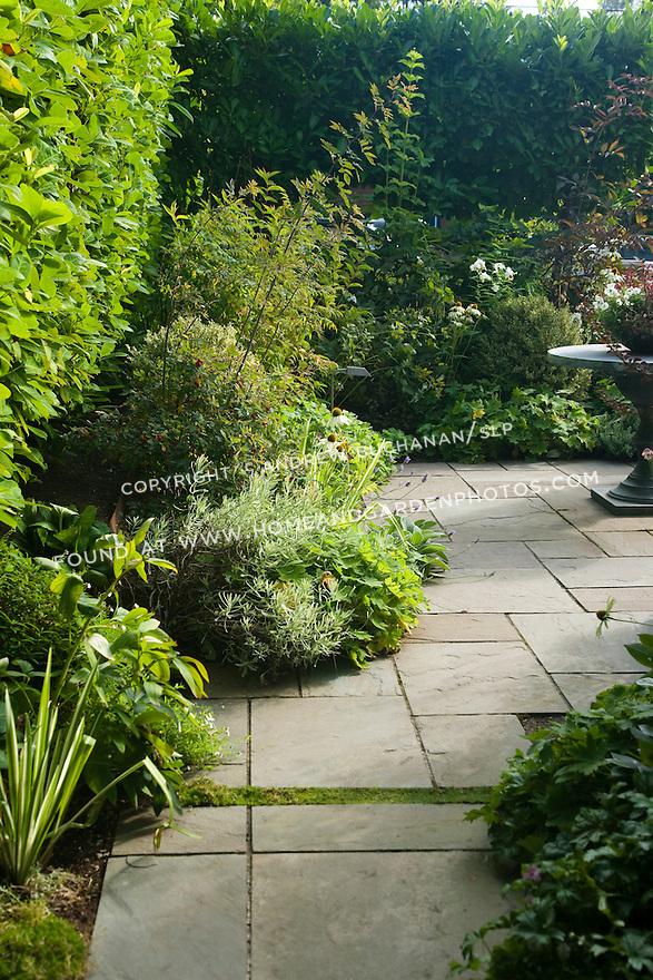 Df020179 Garden Flagstone Patio