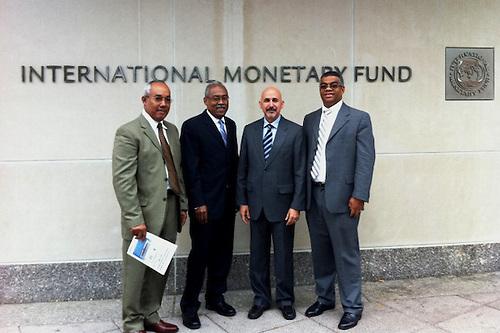 De izquierda a Derecha, Pedro Borges, Viterbo de los Santos, Carlos J. Guzmán y Juan José Peña, la comisión que entregó la carta al FMI.
