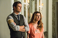 Oliver Hudson as Wes and Nasim Pedrad as Gigi in Scream Queens, Season 1