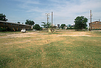 1993 June 21..Assisted Housing.Calvert Square..BEFORE RENOVATIONS.ROLL 6-7.NORTH OF PUMP STATION LOOKING SOUTH...NEG#.NRHA#..