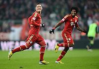 FUSSBALL   1. BUNDESLIGA  SAISON 2012/2013   21. Spieltag  FC Bayern Muenchen - FC Schalke 04                     09.02.2013 Torjubel nach dem 2:0: Bastian Schweinsteiger und Dante (v.l., beide FC Bayern Muenchen)