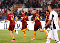 Calcio, Serie A: Roma vs Juventus. Roma, stadio Olimpico, 14 maggio 2017. <br /> Roma&rsquo;s Daniele De Rossi, second from right, celebrates after scoring during the Italian Serie A football match between Roma and Juventus at Rome's Olympic stadium, 14 May 2017. Roma won 3-1.<br /> UPDATE IMAGES PRESS/Riccardo De Luca
