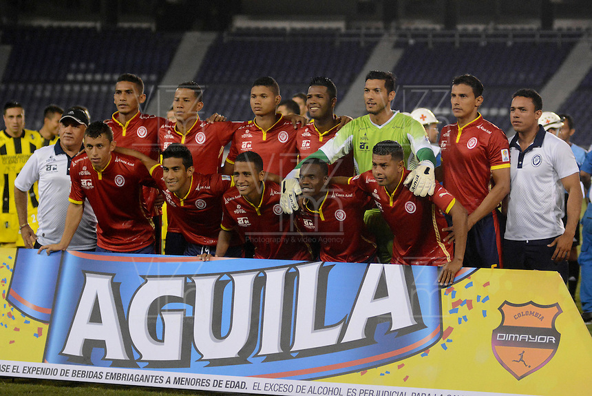 BARRANQUILLA  -COLOMBIA, 2-FEBRERO-2015.  Jugadores de Uniautonoma  posan para una foto previo al encuentro con Alianza Petrolera por la fecha 1 de la Liga &ccedil;guila I 2015 jugado en el estadio Metropolitano de  la ciudad de Barranquilla ./ Players of  Uniautonoma  pose to a photo prior the match against Alianza Petrolera  for the first date of the Aguila League I 2015 played at Metropolitano de  stadium in Barranquilla  city<br /> . Photo / VizzorImage / Alfonso Cervantes / Stringer