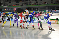 SCHAATSEN: AMSTERDAM: Olympisch Stadion, 02-03-2014, KPN NK Mass Start Dames, Coolste Baan van Nederland, Janneke Ensing (#2), Carla Ketellapper (#13), Elma de Vries (#87), Mariska Huisman (#76), Irene Schouten (#100), Manon Kamminga (#88), Carlijn Achtereekte (#24), ©foto Martin de Jong