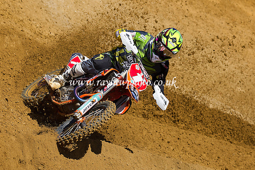 Shaun Simpson, reigning Maxxis MX1 champion, on his way to an opening round full house at Hilton Park, 2015