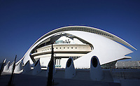 The Palau de les Arts (The Arts Palace) ; last element of the City of Arts and Sciences, Valencia, Communitat Valenciana, Spain ; Majectic building created to receive operas and major musical and theatrical productions, it covers and area of approx 40,000 square meters and is 75 meters high ; 2004 ; Santiago Calatrava (Valencia, Spain, 1951) Picture by Manuel Cohen
