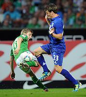 FUSSBALL   1. BUNDESLIGA   SAISON 2011/2012   TESTSPIEL SV Werder Bremen - FC Everton                 02.08.2011 Marko MARIN (li, Bremen) gegen Seamus COLEMAN (re, Everton)