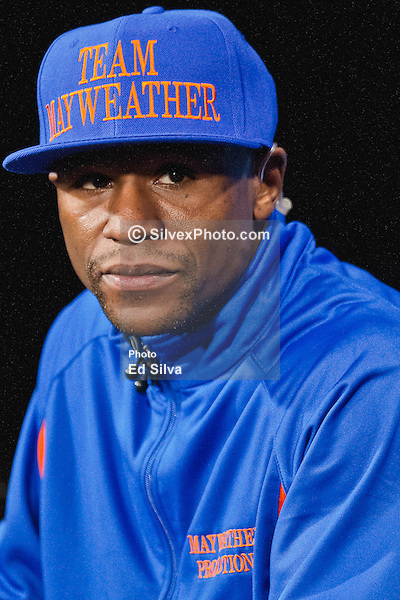 IMAGE: http://cdn.c.photoshelter.com/img-get/I0000WGC4gvOdCm4/s/600/600/Floyd-Mayweather-at-Weigh-In-049.jpg