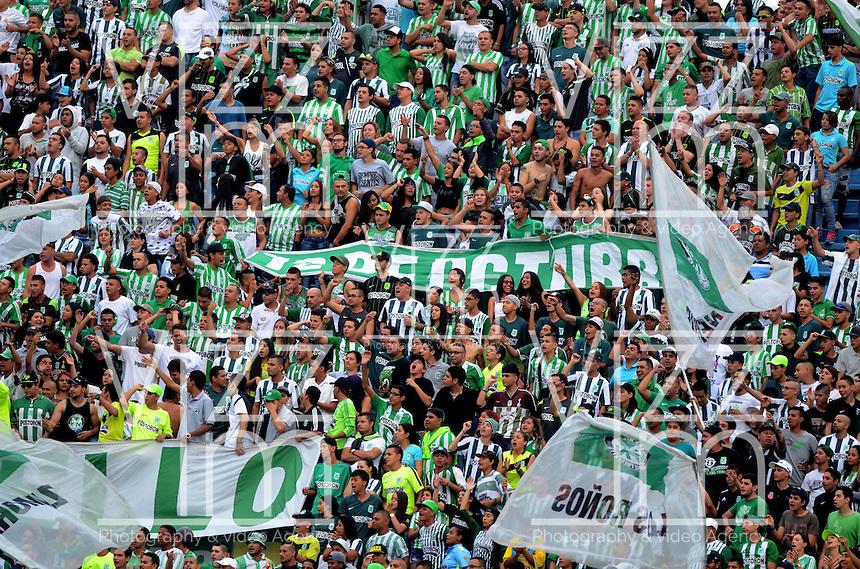 MEDELLÍN -COLOMBIA-16-ABRIL-2016. Hinchas   del  Atlético Nacional contra el Envigado FC por la fecha 13 de Liga Águila I 2016 jugado en el estadio Atanasio Girardot ./ Fans of  Atletico Nacional during the match againts  Envigado FC   for the date 13 of the Aguila League I 2016 played at Atanasio Girardot  stadium in Medellin . Photo: VizzorImage / León Monsalve  / Contribuidor