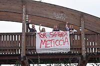 Roma, 25 Aprile 2015<br /> Manifestazione meticcia, antifascista, e contro il razzismo al quartiere  Tor Sapienza per il  giorno del  70esimo anniversario della Liberazione dal nazi-fascismo.<br /> Rome, April 25, 2015<br /> Demostration antifascist, and  against racism to the neighborhood Tor Sapienza for the day of the 70th anniversary of the liberation from Nazi-Fascism.