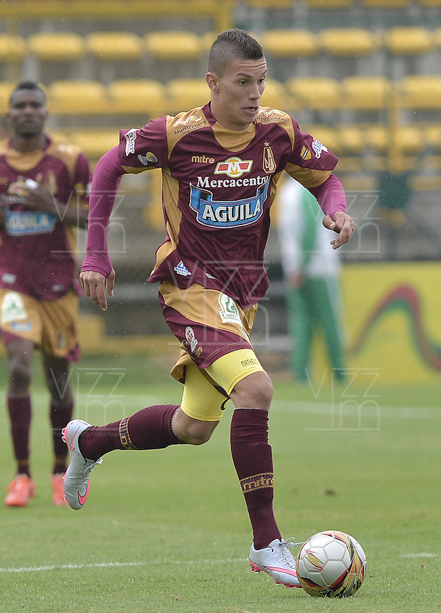 BOGOTÁ -COLOMBIA, 23-08-2015. Matheus Uribe jugador de Deportes Tolima en acción durante partido entre Deportes Tolima y Patriotas FC por la fecha 8 de la Liga Águila II 2015 jugado en el estadio Metropolitano de Techo en Bogotá./ Matheus Uribe player of Deportes Tolima in action during match between Deportes Tolima and Patriotas FC for the 8th date of the Aguila League II 2015 played at Metropolitano de Techo stadium in Bogota city. Photo: VizzorImage/ Gabriel Aponte / Staff