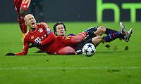 FUSSBALL  CHAMPIONS LEAGUE  ACHTELFINALE  HINSPIEL  2012/2013      FC Bayern Muenchen - FC Arsenal London     13.03.2013 Arjen Robben (FC Bayern Muenchen) vor Tomas Rosicky (Arsenal)