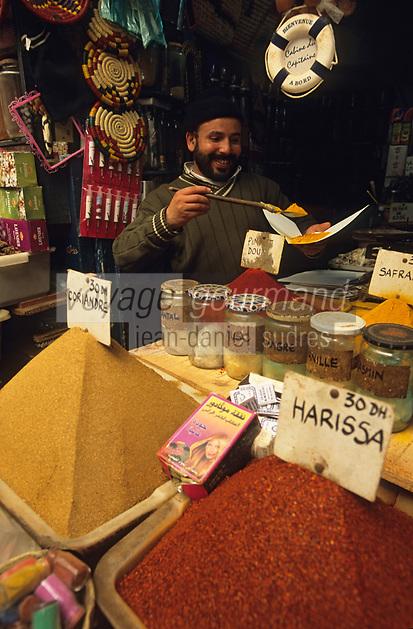 Afrique/Maghreb/Maroc/Essaouira : Dans le souk, Chez Saddiki au marché aux épices, détail étal