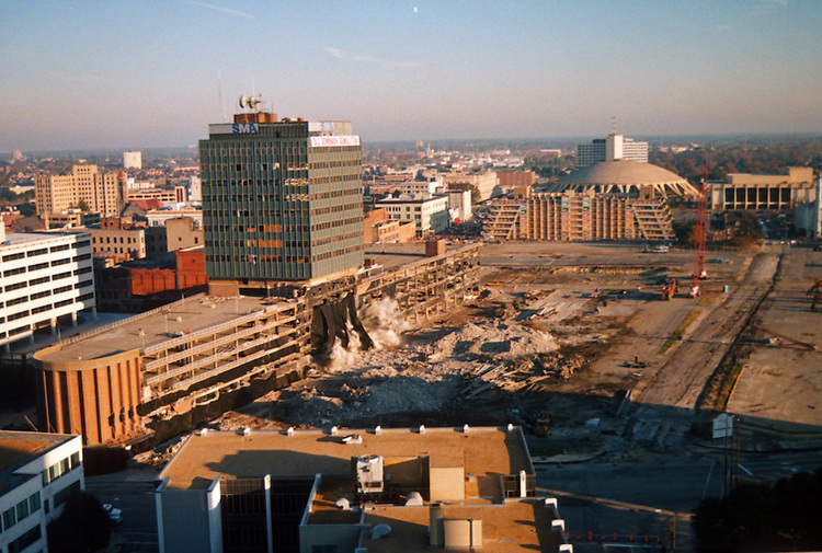 1996 November 24..Redevelopment..Macarthur Center.Downtown North (R-8)..IMPLOSION OF SMA TOWERS.LOOKING NORTH FROM ROOFTOP .OF MAIN TOWER EAST.SEQUENCE 2.PV3..NEG#.NRHA#..