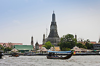 Wat Arum Temple by the Chao Phraya River, Bangkok, Thailand