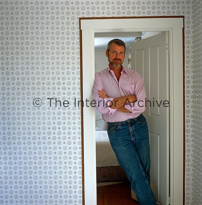 Portrait of the designer Tom Scheerer