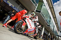 Troy Bayliss (Aus), Ducati 1098 F08 #21 Ducati Xerox Team, stop at the stand to find good setup with engineers before the Qualifying Session, Friday, June 13, 2008, in Nürburgring, Eifel, Germany (Valentin Bianchi/pressphotointl.com)