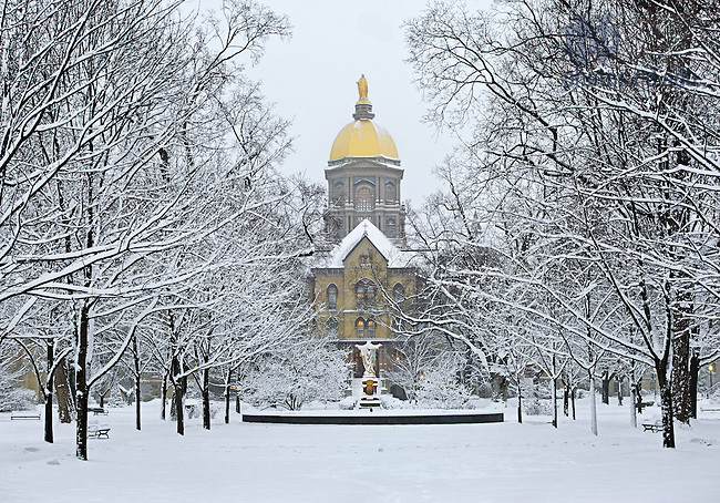 Jan. 22, 2013; Main Building on a snowy morning..Photo by Matt Cashore/University of Notre Dame