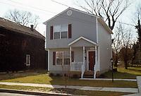 1995 March 01..Redevelopment.Huntersville 1&2 (R-70)..FRONT EXTERIOR.875 LEXINGTON STREET...NEG#.NRHA#..