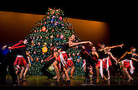 Singing Christmas Tree (Ovens Auditorium Charlotte NC)
