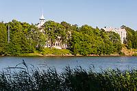 Finland, Helsinki. The large Eläintarha park, Töölönlahti bay.