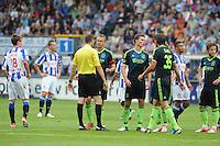 VOETBAL: HEERENVEEN: Abe Lenstra Stadion, 02-09-2012, Eredivisie 2012-2013, SC Heerenveen - Ajax, Eindstand 2-2, discussie na de rode kaart van Thulani Serero (#25 | Ajax), Lukás Marecek (#18 |SCH), Scheidsrechter Pol van Boekel, Siem de Jong (# 10 | Ajax), Derk Boerrigter (#21 | Ajax), Mitchell Dijks (#35 | Ajax), Gianni Zuiverloon (#2 | SCH), Lasse Schöne (#20 | Ajax), ©foto Martin de Jong