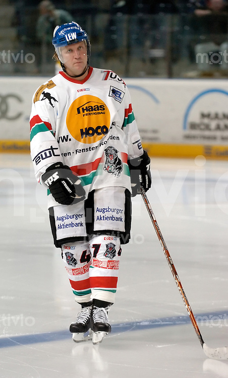 Eishockey, DEL 2004/2005, Arena Nuernberg (Germany), Nuernberg Ice Tigers - Augsburger Panther (7:5) John Miner (Panther)
