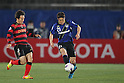 (L to R) Jin Sung Hwang (Steelers), Akira Kaji (Gamba), .MAY 6, 2012 - Football : AFC Champions League 2012 Qualifying Round 1st match between Gamba Osaka 0-3 FC Pohang Steelers at Expo 70 Stadium, in Osaka, Japan. (Photo by Akihiro Sugimoto/AFLO SPORT) [1080]