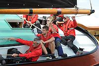 SKÛTSJESILEN: TERHERNE: 22-07-2015, SKS kampioenschap 2015, winnaar werd skûtsje Gerben van Manen (Heerenveen) met schipper Alco Reijenga, skûtsje Twee Gebroeders (Earnewâld) met schipper Gerhard Pietersma, ©foto Martin de Jong