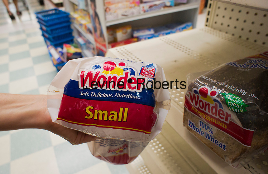 A loaf of Wonder Bread in a supermarket New York on Thursday, August 2, 2012. The iconic maker of Twinkies, as well as Wonder Bread and other favorites foods has entered Chapter 11 for the second time in ten years having been saddled with almost $1 billion in debt. (© Richard B. Levine)