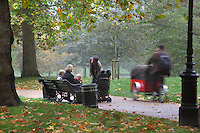 Family time at Green Park, City of Westminster, one of the Royal Parks of London, UK. Picture by Manuel Cohen