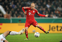 FUSSBALL   DFB POKAL   SAISON 2011/2012   HALBFINALE   21.03.2012 Borussia Moenchengladbach - FC Bayern Muenchen  Arjen Robben (FC Bayern Muenchen)  am Ball