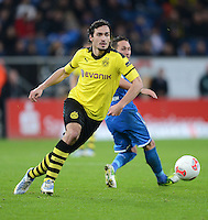 FUSSBALL   1. BUNDESLIGA   SAISON 2012/2013   17. SPIELTAG   TSG 1899 Hoffenheim - Borussia Dortmund      16.12.2012           Mats Hummels (Borussia Dortmund) mit Ball