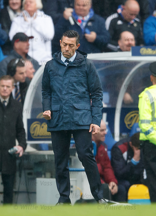 Pedro Caixinha as Rangers take the lead