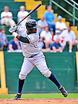 18 July 2010: Staten Island Yankees outfielder Kelvin De Leon in action against the Vermont Lake Monsters at Centennial Field in Burlington, Vermont. The Lake Monsters fell to the Yankees 9-5 in NY Penn League action. Mandatory Credit: Ed Wolfstein Photo