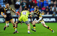 Elliot Daly of Wasps in possession. Aviva Premiership match, between Wasps and Leicester Tigers on January 8, 2017 at the Ricoh Arena in Coventry, England. Photo by: Patrick Khachfe / JMP