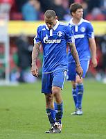 FUSSBALL   1. BUNDESLIGA  SAISON 2011/2012   32. Spieltag FC Augsburg - FC Schalke 04         22.04.2012 Jermaine Jones (FC Schalke 04)