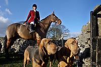 Ashford, Derbyshire, England, 28/12/2003..The Four Shires Drag Hunt hunting from Thornbridge Hall. As an alternative to fox-hunting the Four Shires use bloodhounds to chase a human quarry, in what is known as &quot;hunting the clean boot&quot;...