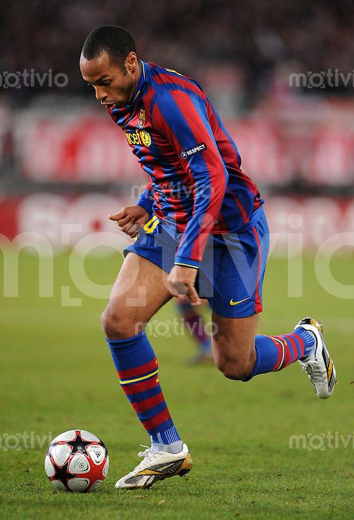 FUSSBALL  International  Champions   League  Hinspiel   SAISON 2009/2010    VfB Stuttgart -  FC Barcelona 23.02.2010 Thierry Henry  (Barca)