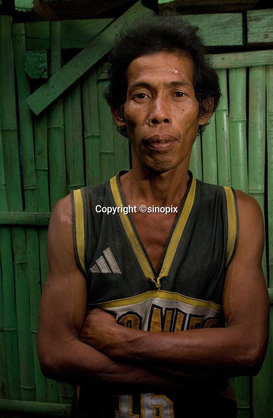 Romeo Roga, who sold his kidney and built a built a house with the money but it got blown apart in a typhoon. He sold the kidney for 90,000 pesos.  In the Basico area more than 3000 have sold their kidneys mostly to foreigners.<br />