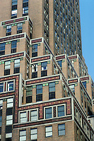 New York: Fred F. French Building, 551 Fifth Ave. at 45th St. Sloan & Robertson, 1927. (This firm did the Chanin Building.) Photo '88.