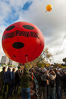 Moscow, Russia, 01/10/2012..Protesters release balloons with the words ?FreePussy Riot? outside Moscow City Court. Supporters and opponents of band members Maria Alyokhina, Yekaterina Samutsevich and Nadezhda Tolokonnikova demonstrated outside the court as the three appealed against their two-year jail sentence for their performance in the Christ The Saviour Cathedral. The appeal was postponed until October 10th after Samutsevich fired her lawyer.