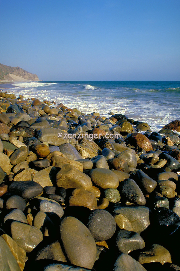 Southern California, Pacific Ocean, beach side of Pacific Coast Highway, Pt Dume, Vertical, Rocks