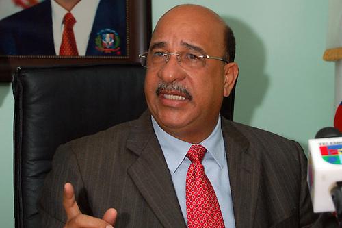 Dr. Bautista Rojas Gómez, entonces ministro de Salud Pública